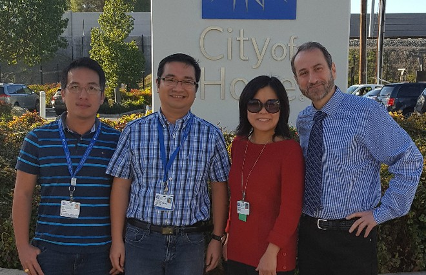 Tiến sĩ Lê Nguyễn Xuân Trường (thứ hai từ trái sang) cùng các cộng sự trong nhóm nghiên cứu. Ảnh: X.T