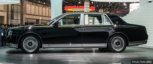 Thiết kế xe lớn, nhìn ngang không kém gì những mẫu sedan của Rolls-Royce. Ảnh: Paultan.