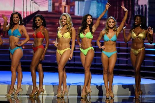 Dẹp bikini, nội bộ cuộc thi Hoa hậu Mỹ mâu thuẩn - Ảnh 2.