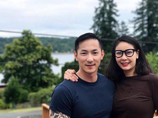 Năm 2017, Hoa hậu Việt Nam 1992 Hà Kiều Anh hiếm hoi chia sẻ hình ảnh về cậu em trai có gương mặt điển trai, nam tính như một tài tử điện ảnh.