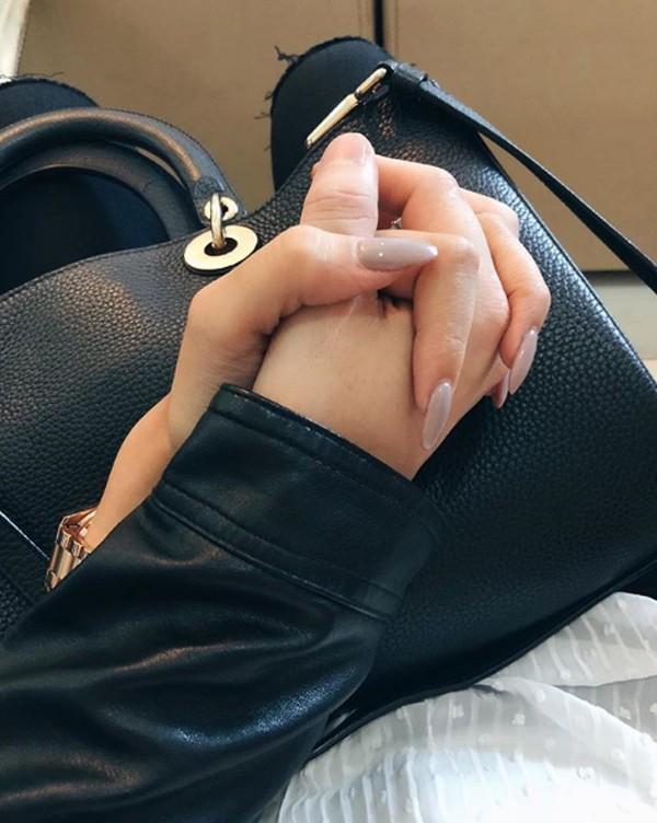 Bạn gái Việt kiều khoe ảnh khóa môi Huỳnh Anh - 2