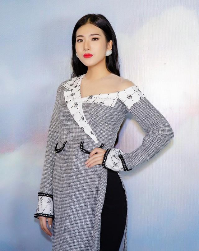 Cô có dịp hội ngộ người đẹp thời trang của Hoa hậu Việt Nam 2018 Nguyễn Hoài Phương Anh. Sau cuộc thi Hoa hậu Việt Nam 2018, hai người đẹp trở nên thân thiết hơn và thường xuyên cùng nhau dự sự kiện.