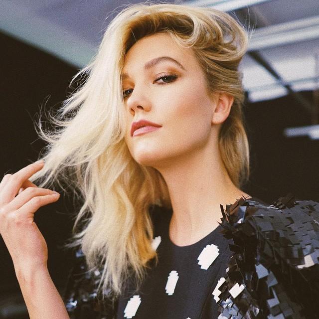 Kloss là thiên thần của hãng Victorias Secret trong 2 năm trước khi rời bỏ công việc để theo đuổi việc học đại học.