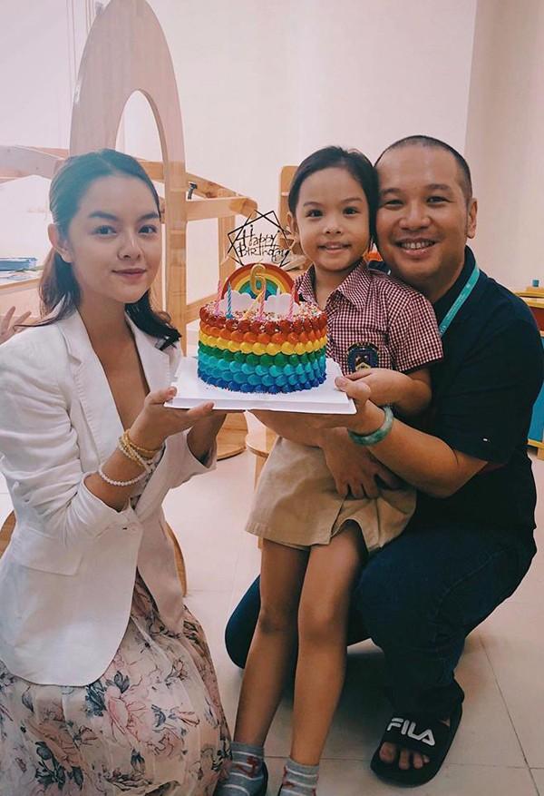 Phạm Quỳnh Anh và Quang Huy cùng nhau tổ chức sinh nhật cho con gái lớn Tuệ Lâm hôm 1/11/2018.