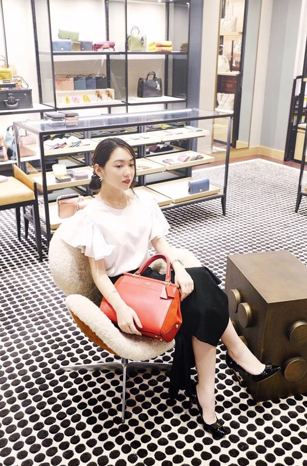 Chloe Nguyen: Hot girl Sai thanh so huu gout thoi trang sanh dieu hinh anh 4