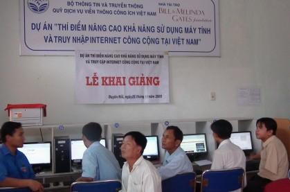 Người dân Trà Vinh được đào tạo sử dụng máy tính và truy nhập internet