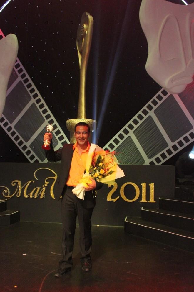 Diễn viên MC Quyền Linh - Người dẫn chương trình truyền hình được yêu thích nhất (Vượt lên chính mình và Vui cùng nhà nông)