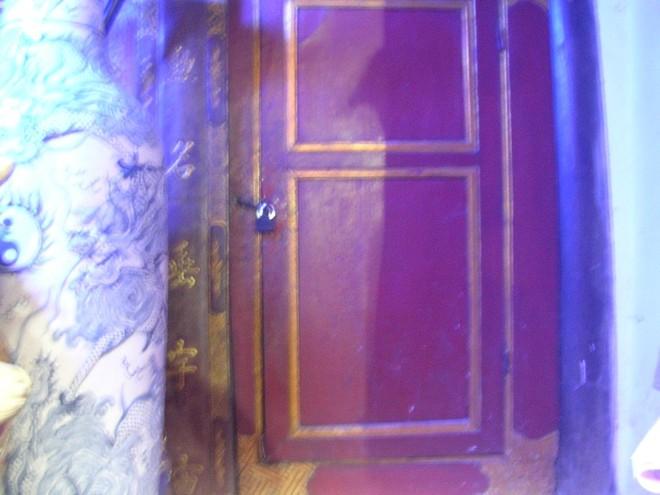 Bí mật nào sau cánh cửa này?