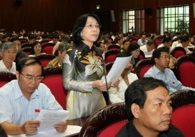 Đại biểu Phạm Thị Hải (Đồng Nai) phát biểu tại hội trường.