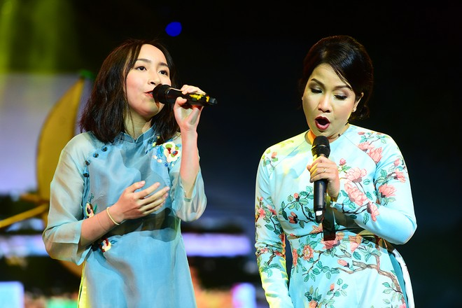 "huy7321 wzfu Hai cặp song ca ""mẹ  con"" của Diva hòa giọng trong ""Daikin  Giai điệu vàng"""