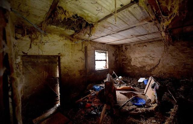 Ngôi nhà tồi tàn nơi cặp vợ chồng ra tay với các nạn nhân.