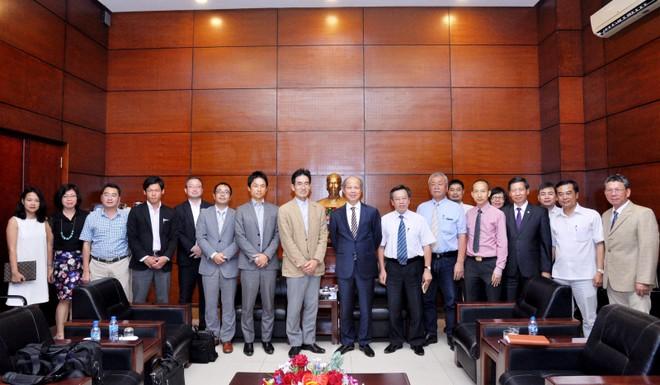 Lãnh đạo Hiệp hội BĐS Việt Nam tiếp khách quốc tế.
