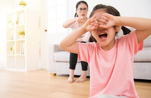5 cách nuôi dạy con của cha mẹ thời hiện đại - 1