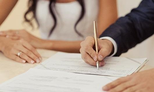 Đăng ký kết hôn khi người chồng không ở Việt Nam?