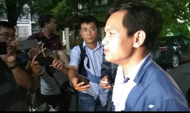Trước sức nóng của dư luận và báo chí, 1h sáng 17/7, ông Mai Văn Trinh,Cục trưởng Cục quản lý chất lượng (Bộ GD&ĐT) đã có thông tin chính thức về sai phạm điểm thi ở Hà Giang. (ảnh: Mỹ Hà).