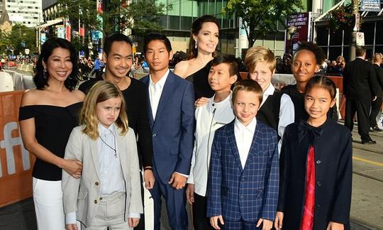 Brad Pitt và Angelina Jolie đạt thỏa thuận nuôi con - Ảnh 2.