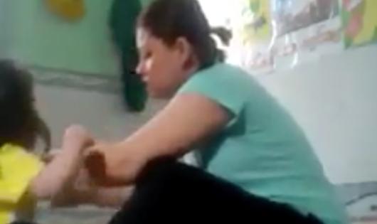Cơ quan công an vào cuộc vụ bảo mẫu hành hạ cháu bé trong nhà trẻ
