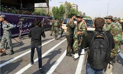 Iran tuyên bố phản ứng mạnh sau vụ xả súng tại lễ diễu binh