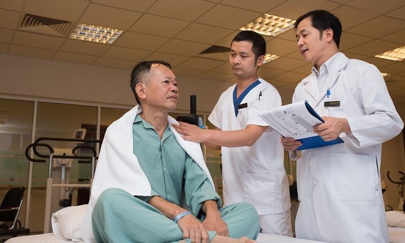 Hồi phục nhanh sau 3 ngày mổ bằng robot chữa ung thư đại trực tràng