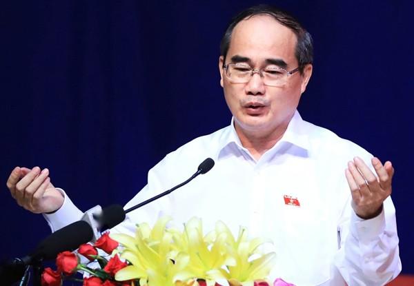 Ông Nguyễn Thiện Nhân nói về quá trình giải quyết khiếu nại của bà con. Ảnh: Hữu Khoa.