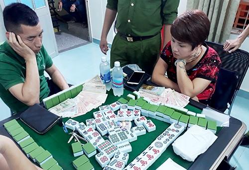 Gần chục người nước ngoài bị bắt quả tang đánh bạc ở Nha Trang