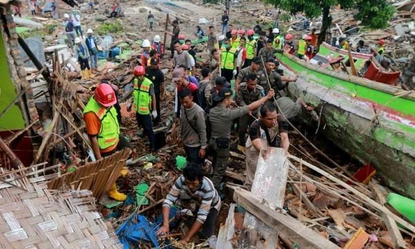 Indonesia tích cực tìm kiếm các nạn nhân sóng thần