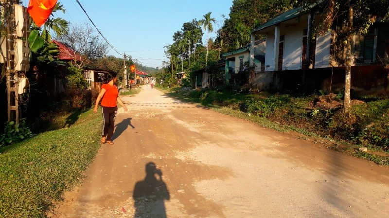 Đường sử dụng 8 năm, người dân Hạnh Dịch (Nghệ An) vẫn chờ tiền đền bù giải phóng mặt bằng?
