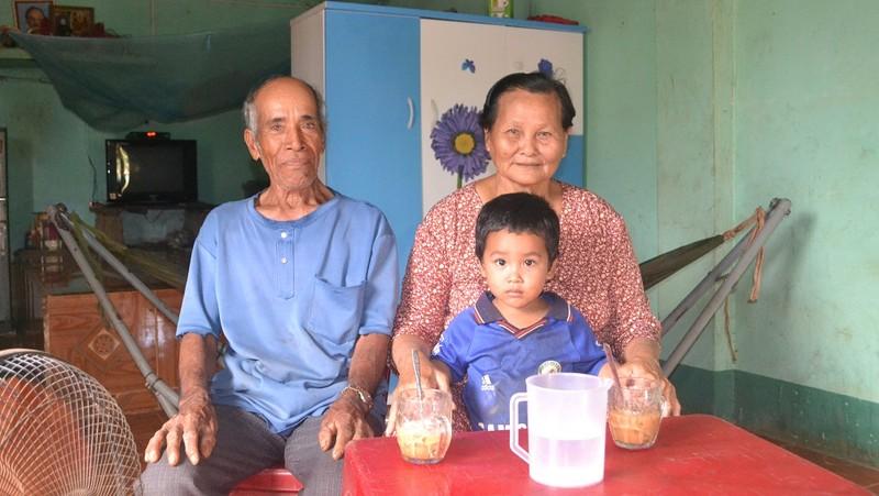 Dân làng mở hội mừng 'liệt sĩ' trở về sau 46 năm