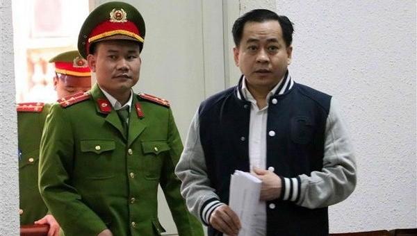 Xét xử Phan Văn Anh Vũ và các bị cáo: Tranh luận về việc thuê, mua dự án