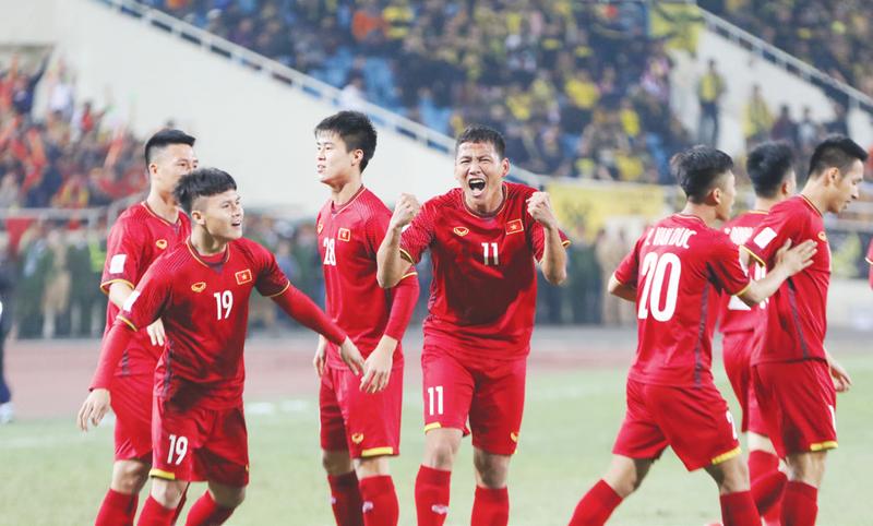 Bóng đá Việt Nam căng tràn thăng hoa - Ảnh 3