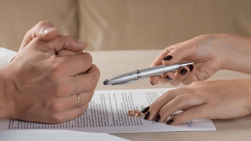 Vụ ly hôn đặc biệt trong trại giam Bình Điền