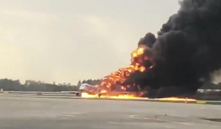 Nga khởi tố vụ án hình sự vụ máy bay bốc cháy