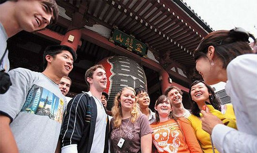 Năm 2020 đưa du lịch trở thành ngành kinh tế mũi nhọn: Cần quyết liệt trong quản lý hướng dẫn viên du lịch