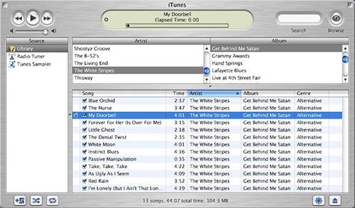 iTunes phiên bản ra mắt năm 2001.