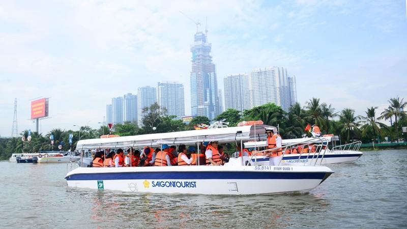 Giao thông thủy TP HCM gặp nhiều khó khăn