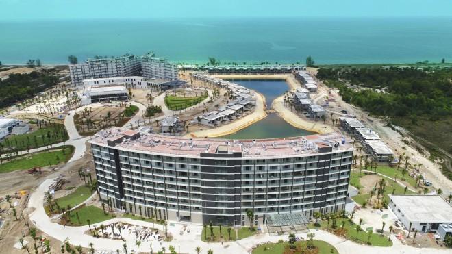 """Mua """"1 sở hữu 2"""" condotel dự án Movenpick Resort Waverly Phú Quốc - Ảnh 2"""
