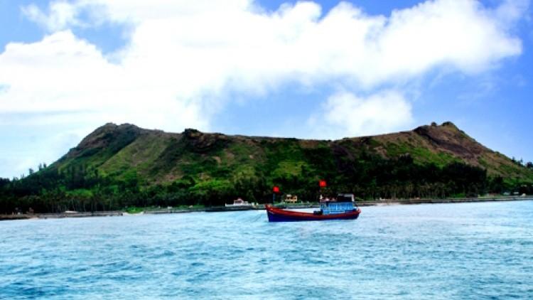 Quảng Ngãi tranh cãi quanh đề xuất thu phí tham quan đảo Lý Sơn