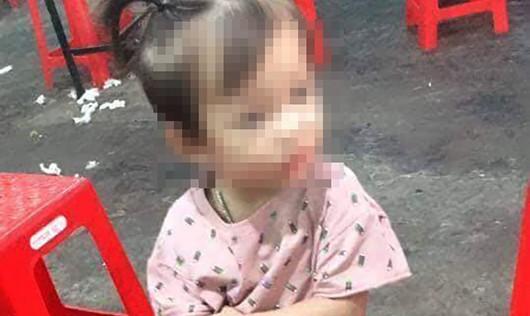 Đứng ngồi không yên khi con gái hơn 2 tuổi mất tích 4 ngày...
