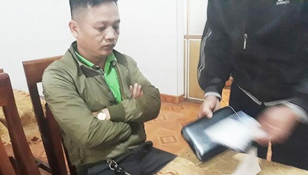 Phóng viên nghi tống tiền doanh nghiệp được tại ngoại