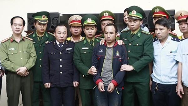 Bắt người Lào cùng gần 300 kg ma túy dạng đá