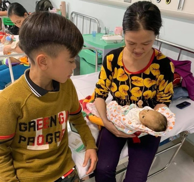 Cậu bé đạp xe từ Sơn La về Hà Nội: Hành trình tình anh em