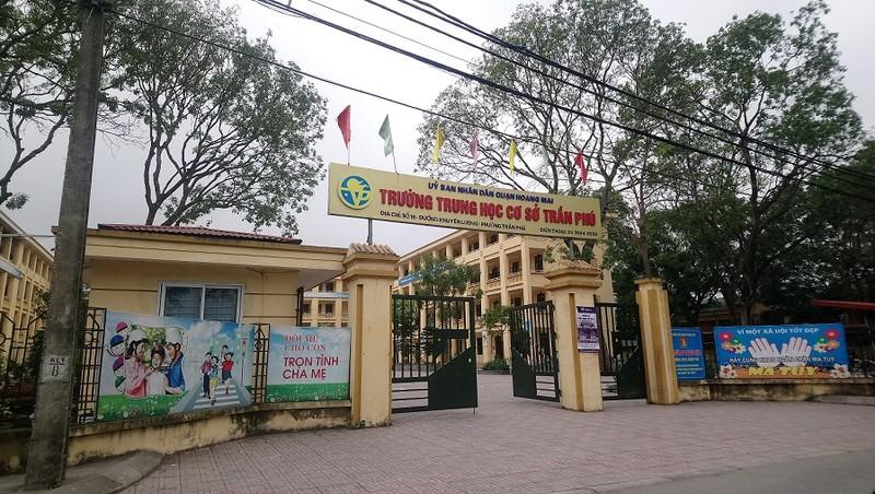 Thầy giáo dạy Toán bị tố thường xuyên dâm ô 7 nam sinh giỏi ở Hà Nội