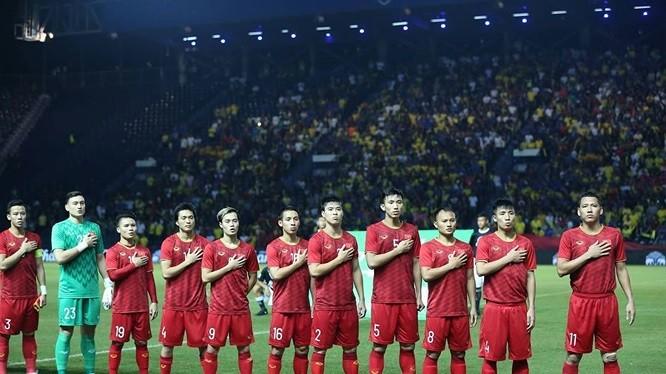 Việt Nam vào chung kết King's Cup: Cú sốc lớn của người Thái