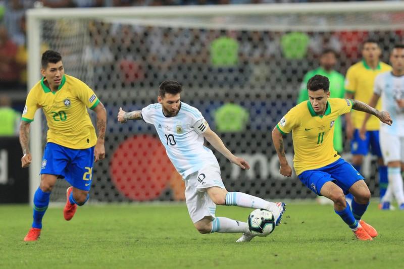 Messi - Tình yêu đến trong giã từ