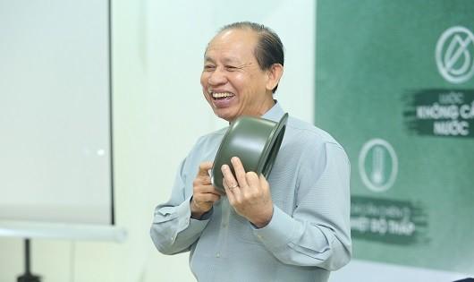 Nồi sứ dưỡng sinh và khao khát đặc biệt của ông chủ Minh Long