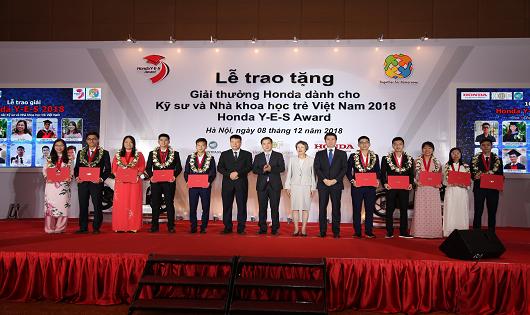 Trao tặng Giải thưởng Honda Y-E-S lần thứ 13 dành cho Kỹ sư và Nhà khoa học trẻ Việt Nam