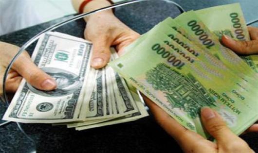"Tỷ giá VND/USD vẫn ""neo"" ở mức cao"