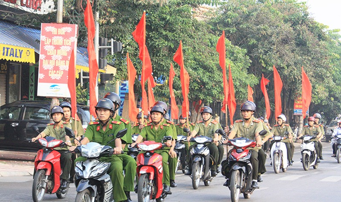 Bộ trưởng Tô Lâm chúc mừng từ bảo vệ dân phố đến tướng lĩnh công an