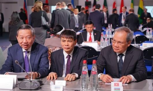 Bộ trưởng Tô Lâm tham luận tại hội nghị lãnh đạo cao cấp an ninh ở Nga