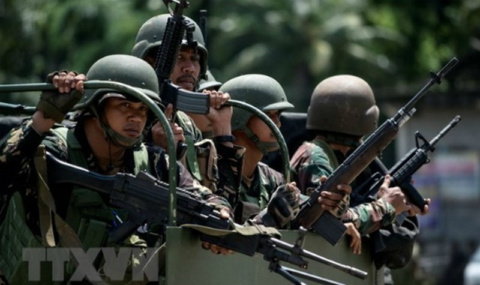 Philippines điều tra vụ quân đội bắn nhầm cảnh sát, 6 người chết